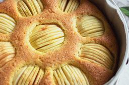 German Sunken Apple Cake (Versunkener Apfelkuchen)